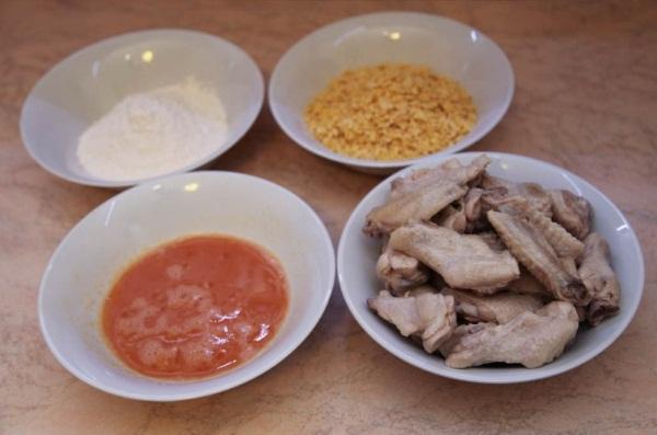 Куриные крылышки в духовке. Как приготовить в медово-соевом, горчичном, кисло-сладком соусе, кляре, с картошкой, корочкой
