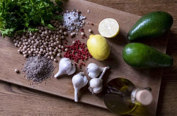 Хумус. Рецепт приготовления в домашних условиях классический из нута, гороха, от Юлии Высоцкой пошагово с фото. С чем едят, калорийность