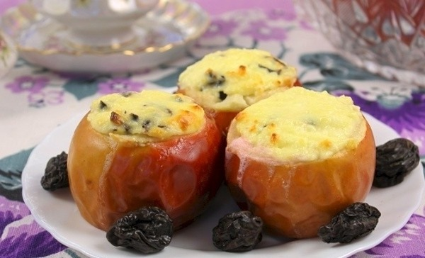 Сырники. Рецепт классический на сковороде из творога, с манкой, яблоками, изюмом, бананом. ПП: без яиц, муки. Приготовление пошагово с фото