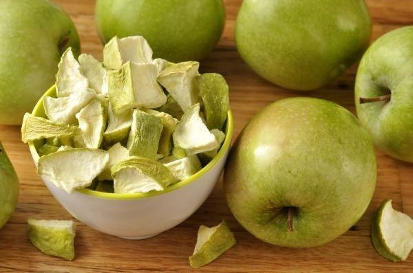 Польза яблок для организма, при беременности, для похудения, детям, при диабете, панкреатите, гипертонии, гастрите